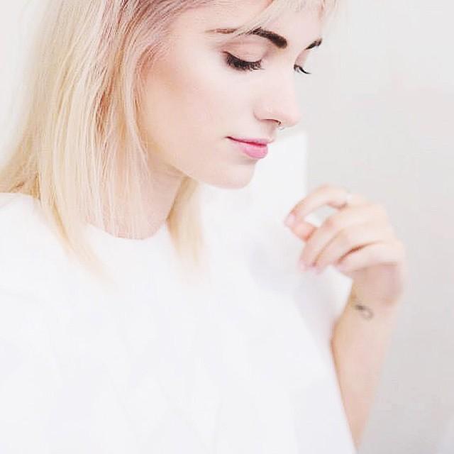 // ? Transformation - www.lyloutte.com - #newdesign #newpost ✌️| Aimez-vous ? do you like it ? | J'en profite également pour vous remercier, vous êtes plus de 5000 à me suivre, ça me remplie de joie ❤️Je vous fais plein de bisous, bonne soirée ?| #photo @sacohair #girl #lyloutte #fashionblogger #blogger #fashion #blog #design