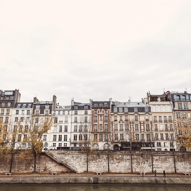 / Balade hier avec ma Choupette @sp4nkblog ? dans #Paris ? | #ride #yesterday #house #landscape